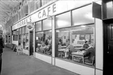 Oxford, Markets - George's Caf�. Exterior