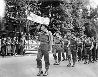 Oxford, World War II. - Salute the Soldiers Week Parade. 2nd Brigade O.B.L.I. led my Major R.J. Howard, D.S.O.
