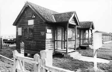 Oxford, Bathing Places - Wolvercote Changing Huts