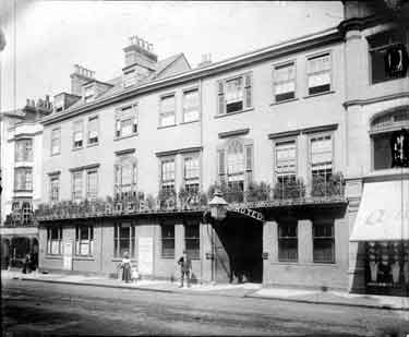 Roebuck Hotel, Cornmarket Street, Oxford, Oxfordshire. A view of the facade of the hotel, originally named after the arms of Jesus College, and rebuilt as a luxury hotel in 1850. It was eventually demolished in 1924 by Woolworths to make way for a store.